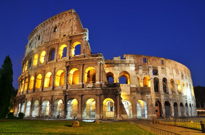 The Most Famous Landmark Of Italy And One In Whole World Colosseum Attracts Million Tourists Every Year