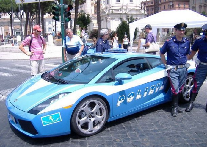 Italian Police Get New Superfast Lamborghini This Is Italy