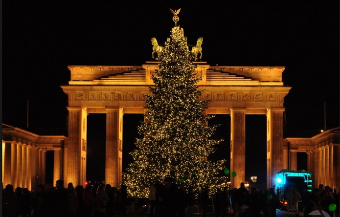 Top 10 Most Beautiful Christmas Trees In The World This Is Italy